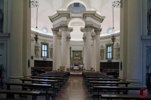 AF 10 Chiesa del Torresino. L'altare maggiore visto dall'atrio