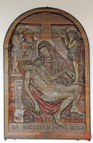 AF 30 La Pietà, bassorilievo ligneo (A. Sartori, 1940)