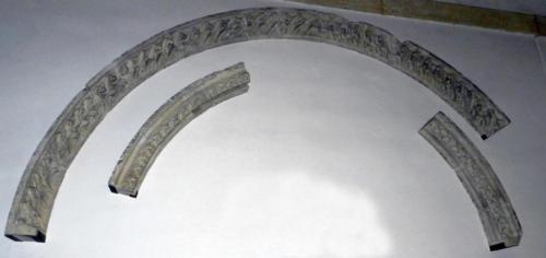 Fig. 05, Frammenti delle ghiere dell'arcone