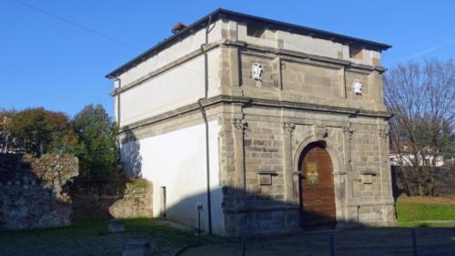 Porta San Giovanni o dei Monti, lato interno alla città