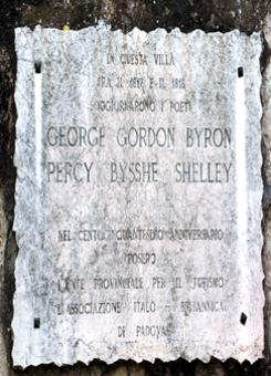 Targa che attesta la presenza di Shelley e Byron a Este