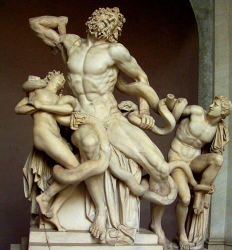 01 - Laocoonte, marmo, h. 242 cm, Roma, Musei Vaticani. (https://www.studiarapido.it/wp-content/uploads/2014/10/laocoonte-696x749.jpg)