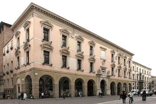 02 - Università di Padova, esterno del Palazzo del Bo