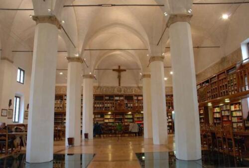 09 - Biblioteca statale del monumento nazionale di Santa Giustina