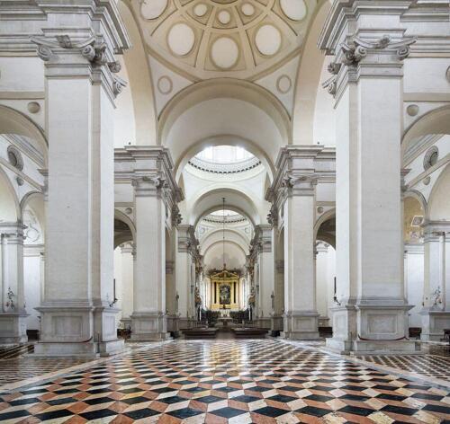 10 - Basilica di Santa Giustina, interno (Wikipedia)