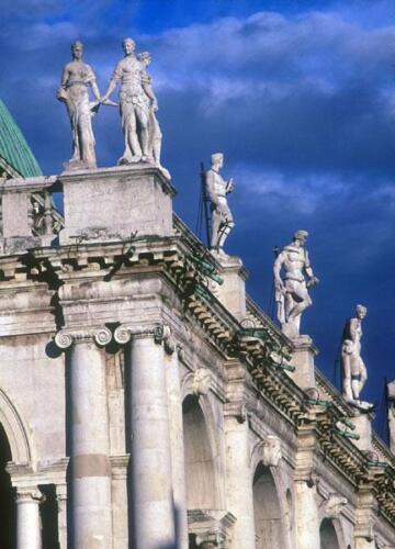 14 - Basilica Palladiana, uno scorcio