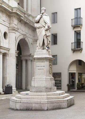 15 - Statua di Andrea Palladio (Vi)