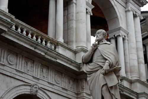16 - Statua di Palladio, particolare