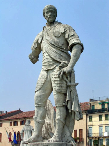 08 - Padova, Prato della Valle, Statua di Ludovico Buzzaccarini